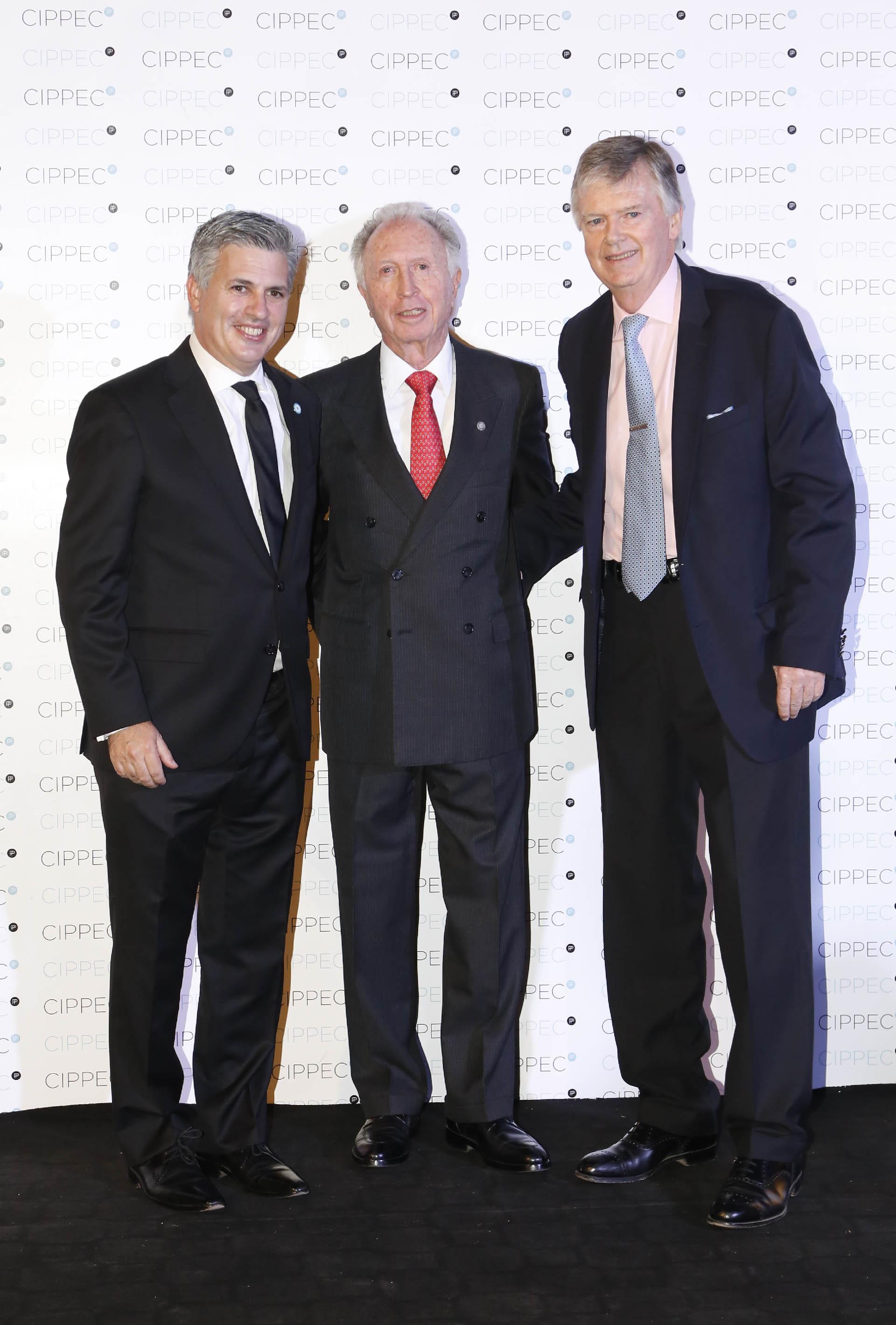 Marcelo Scaglione, representante de la Argentina ante la OCDE; Jorge Di Fiori, presidente de la Cámara Argentina de Comercio y Servicios; y el empresario Guillermo Stanley