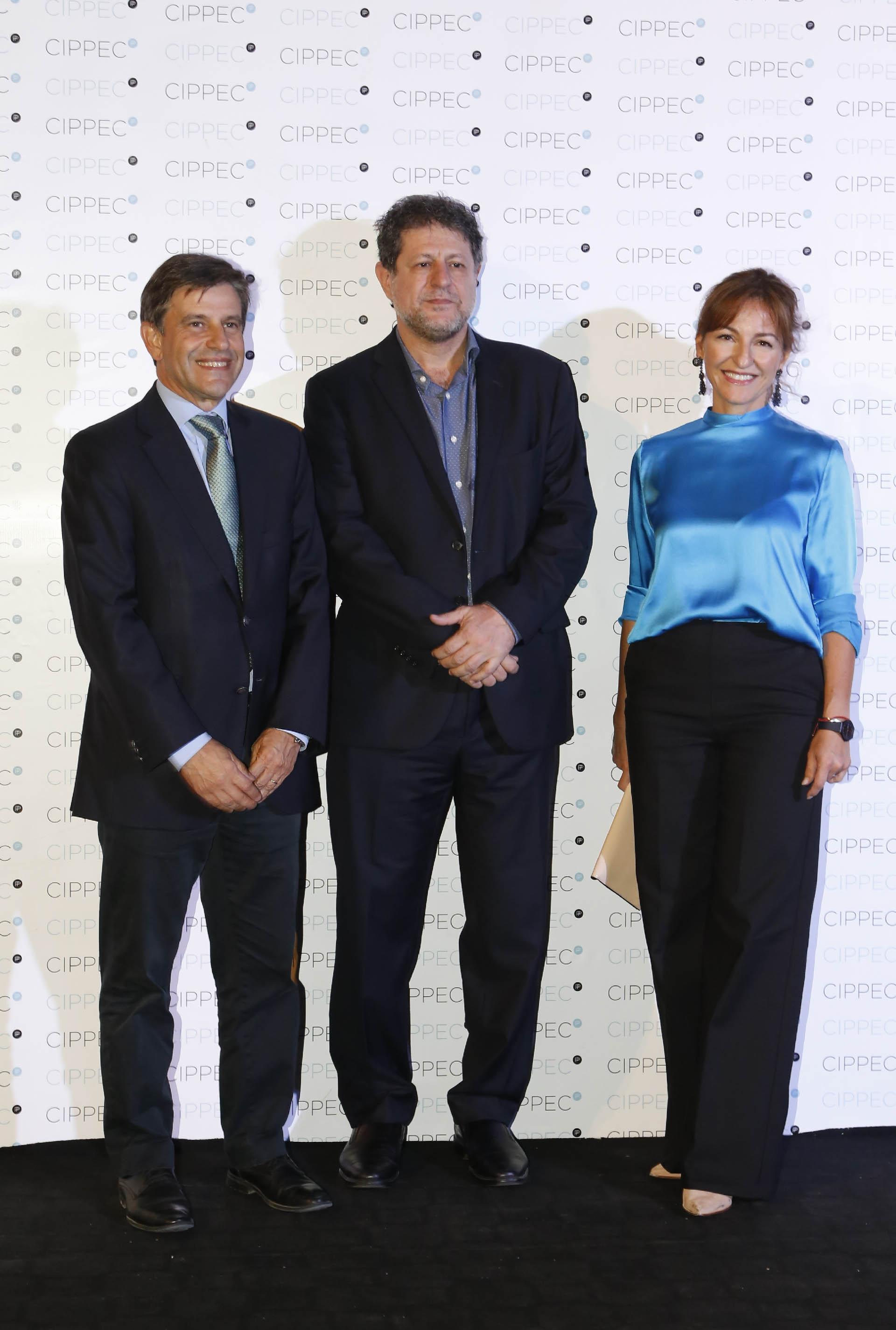 El ministro de Desarrollo Urbano y Transporte porteño, Franco Moccia; Eduardo Levy Yeyati y Soledad Acuña, ministra de Educación porteña