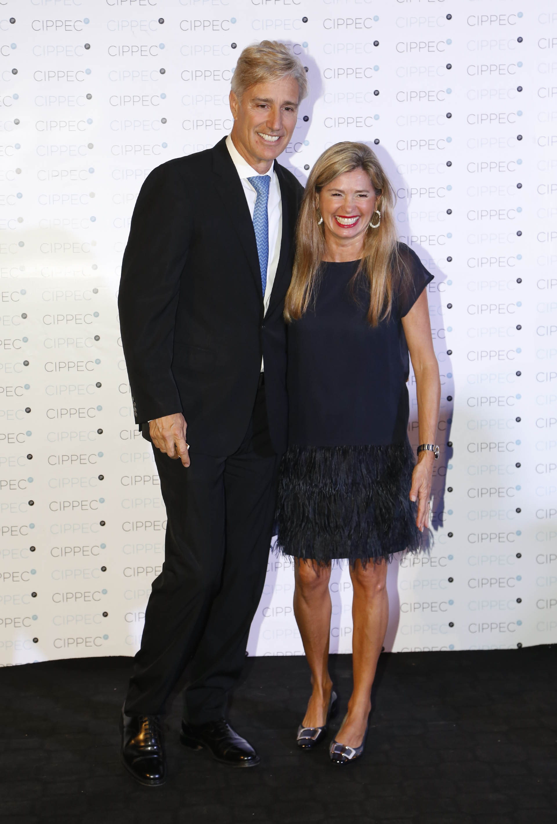 El presidente de Laboratorios Richmond, Marcelo Figueiras, y su mujer María Laura Leguizamón