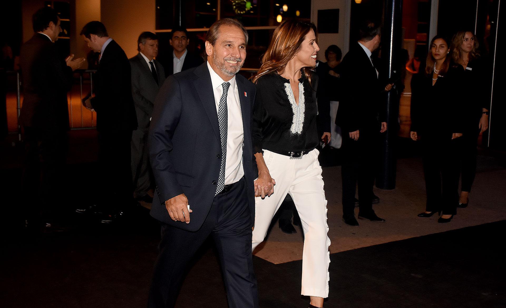 Nicolás Caputo, cónsul general de Singapur en la Argentina, y su mujer Agustina Lhez