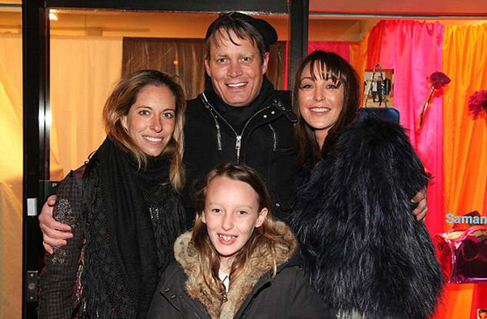 Nicole Hanley Mellon, la segunda esposa de Matthew, Tamara Mellon y la hija de ambos, Minty, en diciembre de 2010