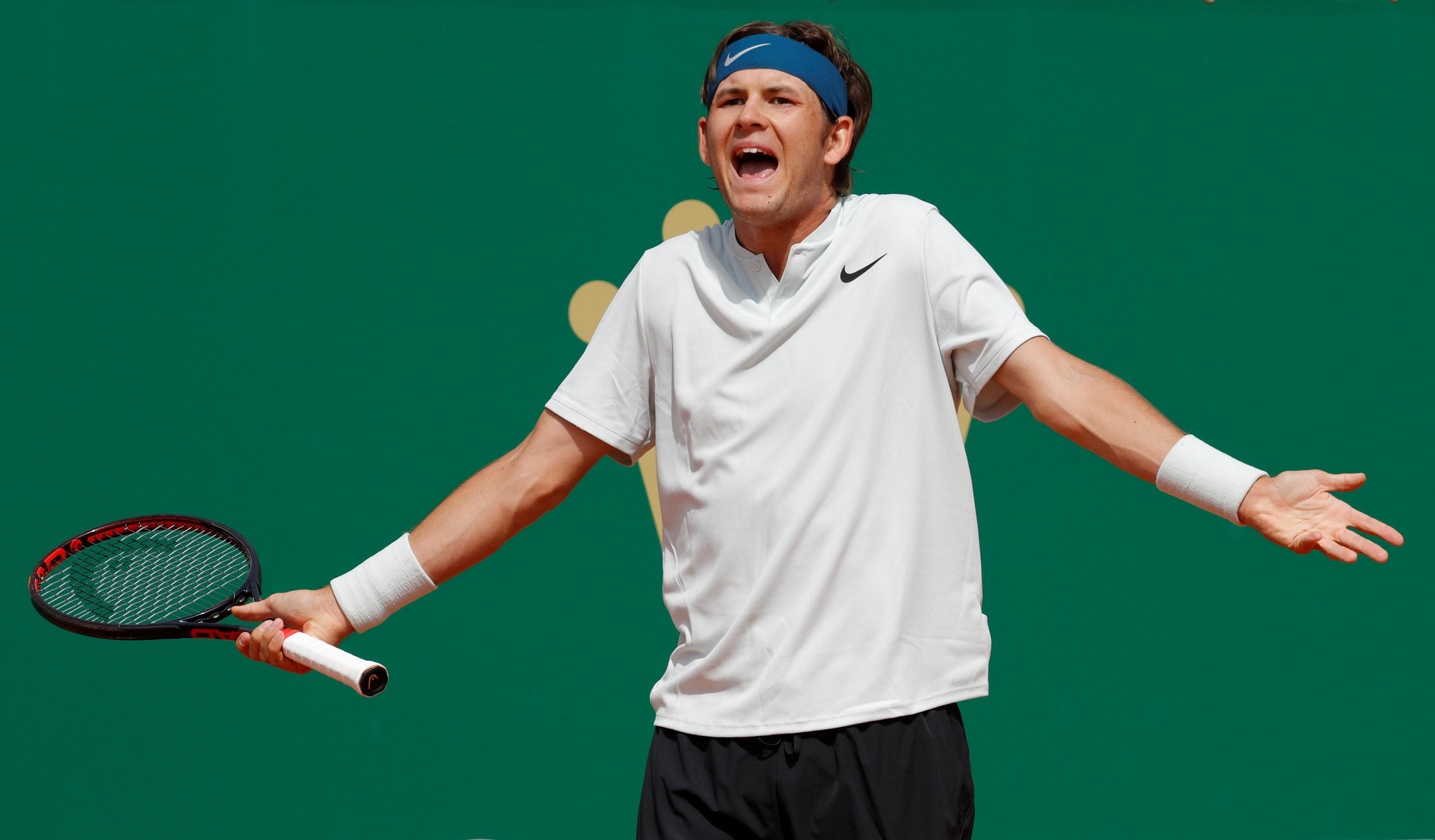El tenista estadounidense Jared Donaldsonmostró su furia contra el juez de silla(Reuters)