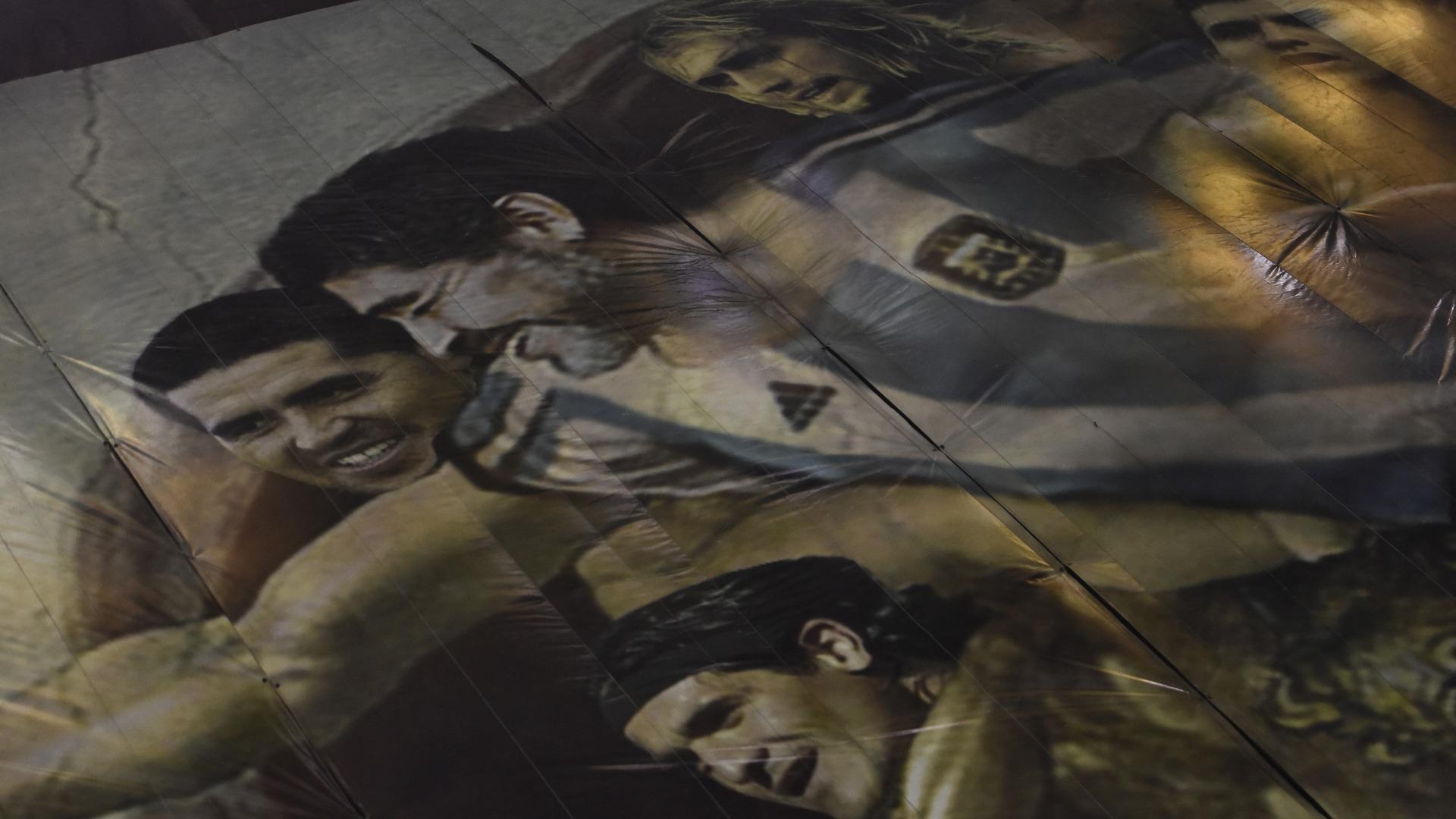 """Maradona, con los querubines alrededor: """"Son ídolos de los clubes grandes"""" (Foto: Adrián Escandar)"""