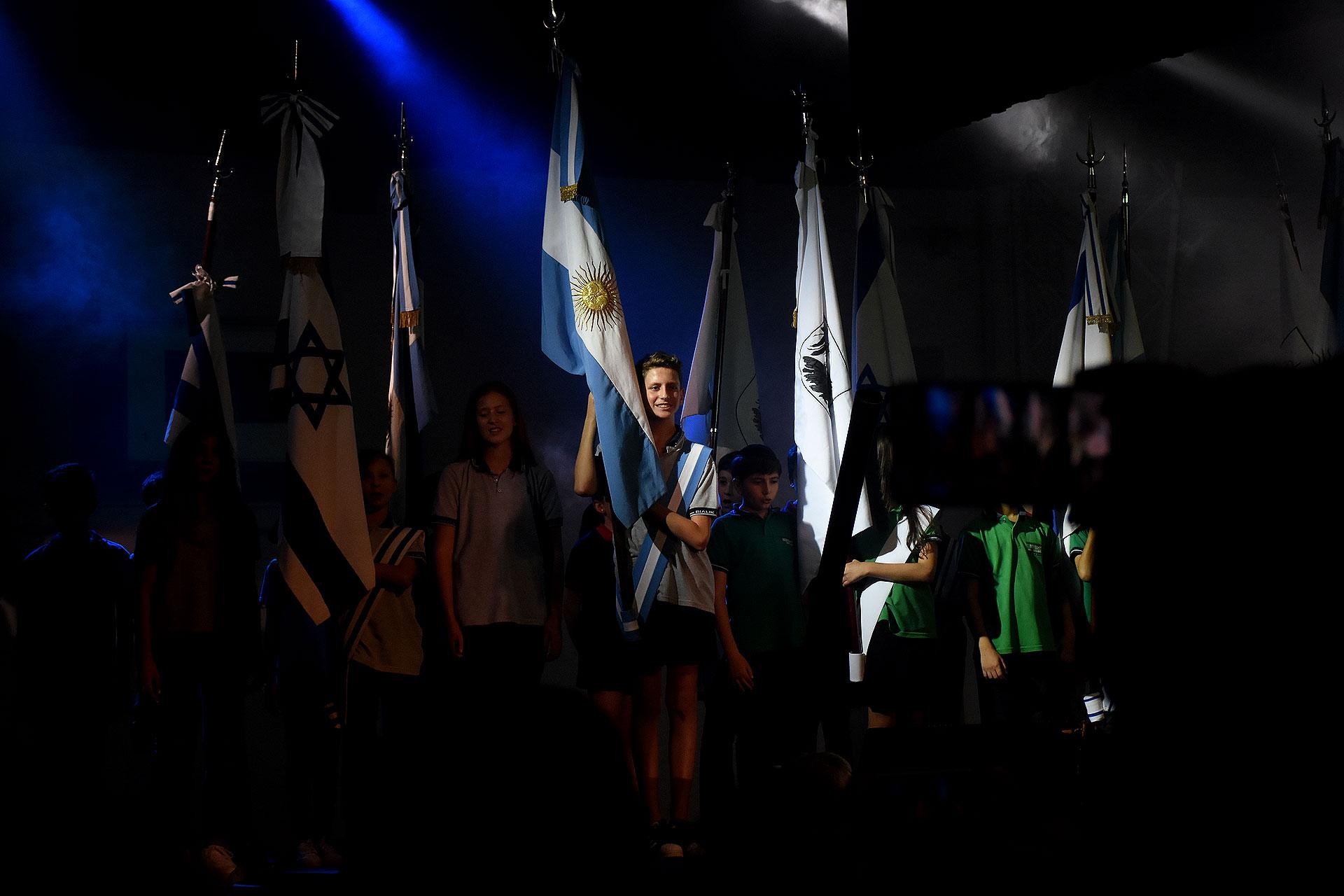 El tradicional festejo por los 70 años del Estado de Israel se presentó de forma novedosa, bajo el formato de una gran obra de teatro – musical