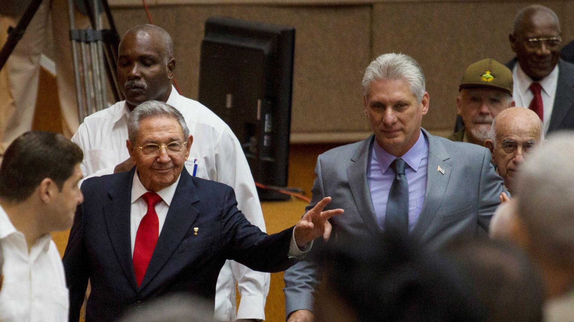 Raúl Castro y Diaz-Canelen su llegada en la Asamblea Nacional de Cuba (Reuters)