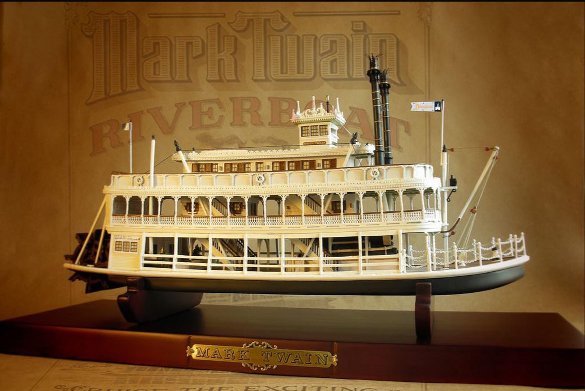 """Reproducción a escala de un """"riverboat"""" que perteneció a Walt Disney y al que denominó """"Mark Twain"""" como muestra de admiración hacia el escritor"""
