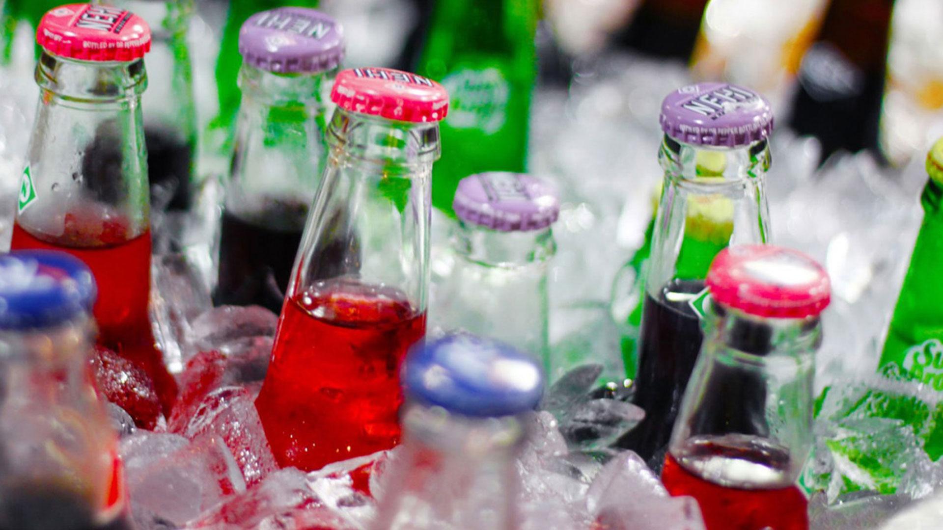 Los latinoamericanos son los mayores consumidores de bebidas azucaradas en el mundo - Infobae