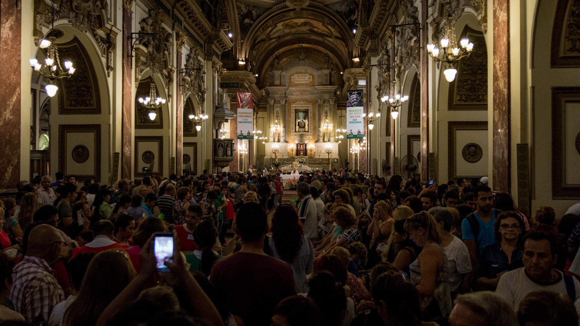 Para la misa central fue convocado monseñor Gustavo Carrara, obispo auxiliar de Buenos Aires
