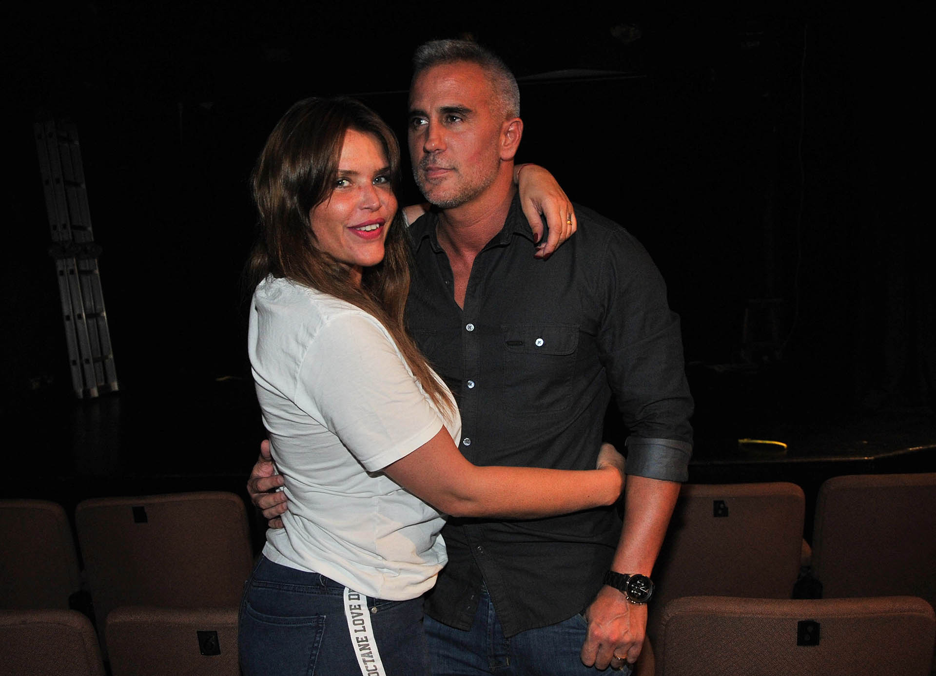Nazarena, abrazada a su pareja, quien era amigo de Fabián Rodríguez
