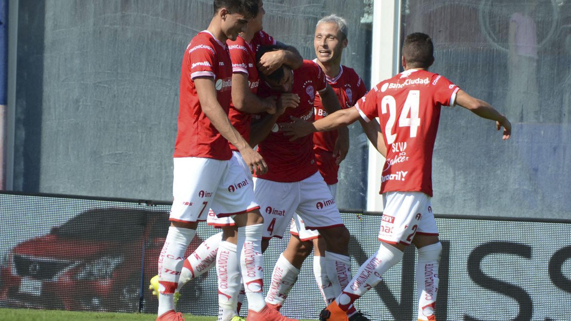 Los de Alfaro arrastran una racha de 11 encuentros sin derrotas (@CAHuracan)