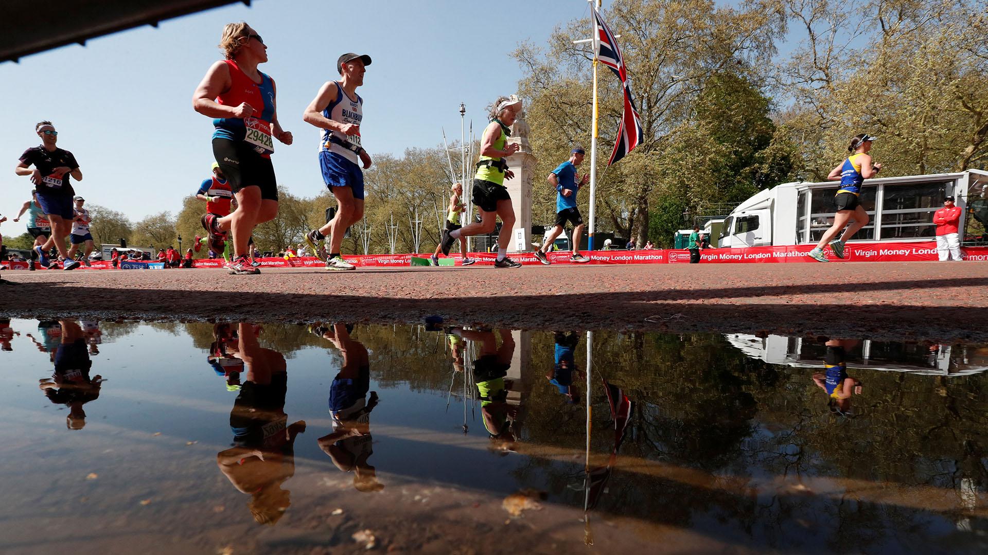 El maratón concluyó en The Mall, la avenida que une la céntrica plaza de Trafalgar con el Palacio de Buckingham
