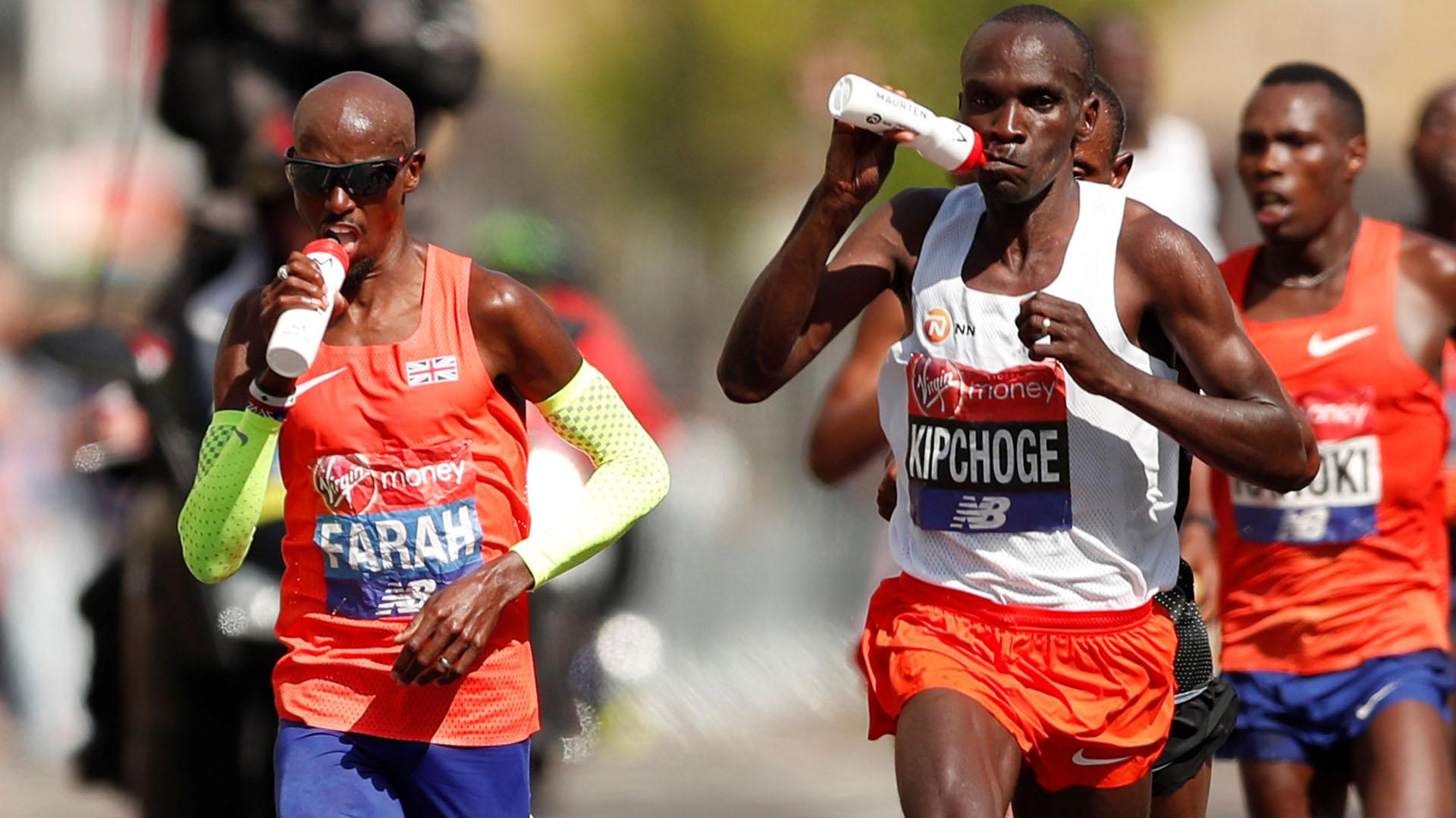 El campeón el pasado año, el también keniano Daniel Wanjiru -Kipchoge no participó