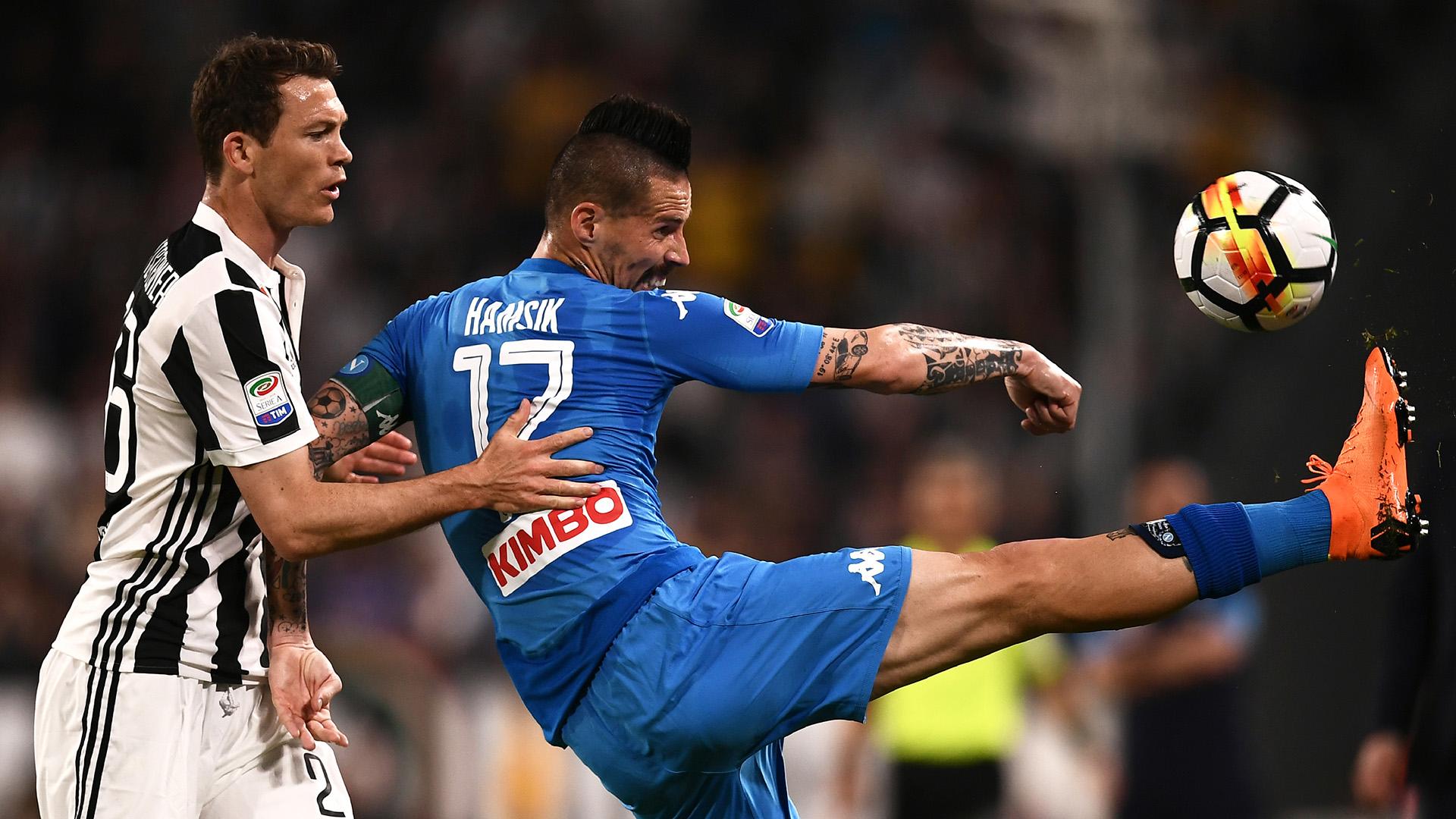 Napoli busca acercarse a la Juventus en la tabla (AFP)