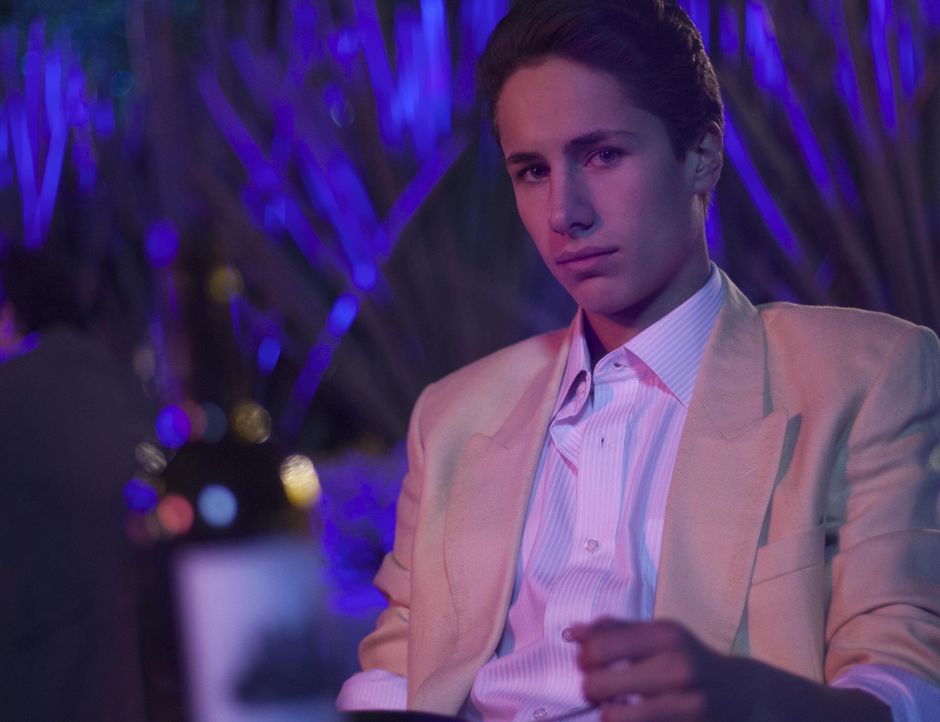 Juan Pablo Zurita también se pone en la piel de Alex, pero más adolescente