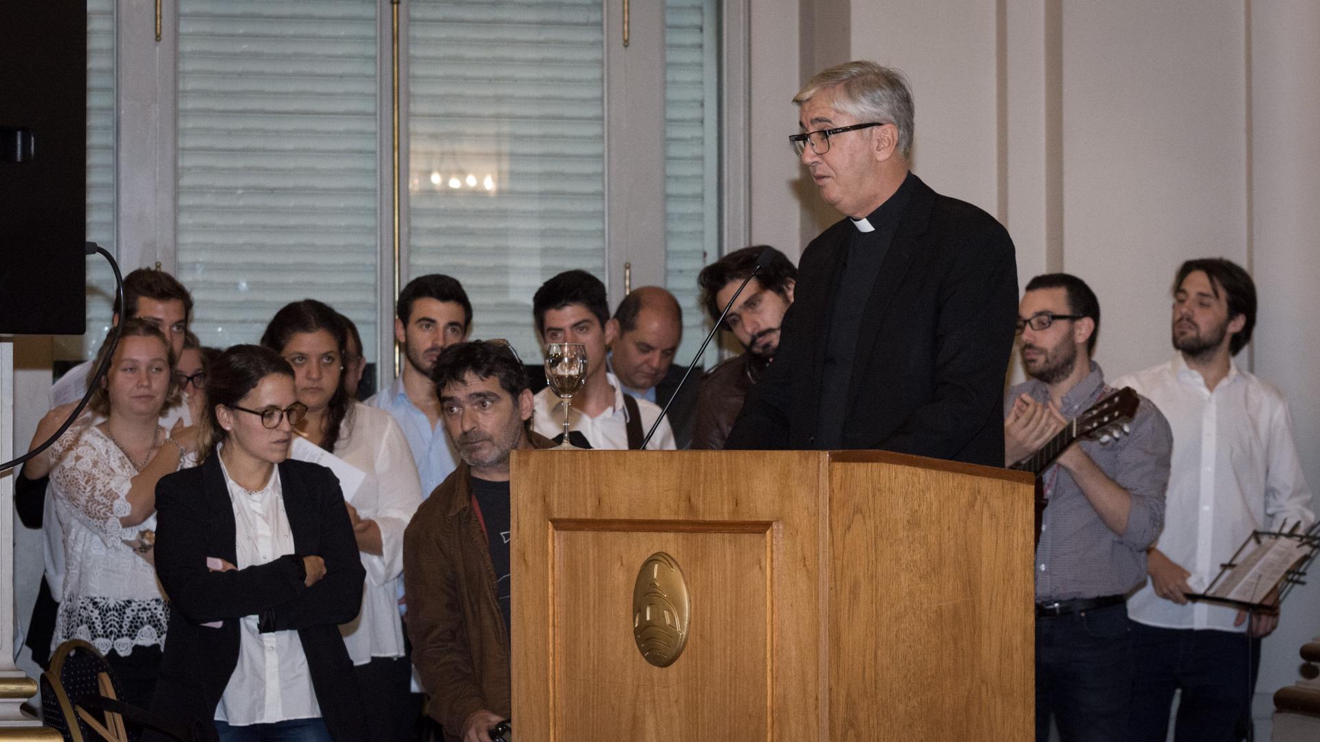 El Presbítero Guillermo Marcó fue vocero del entonces Cardenal Jorge Bergoglio (actual Papa Francisco) en la ciudad de Buenos Aires y actualmente es presidente del Instituto de Diálogo Interreligioso (IDI)