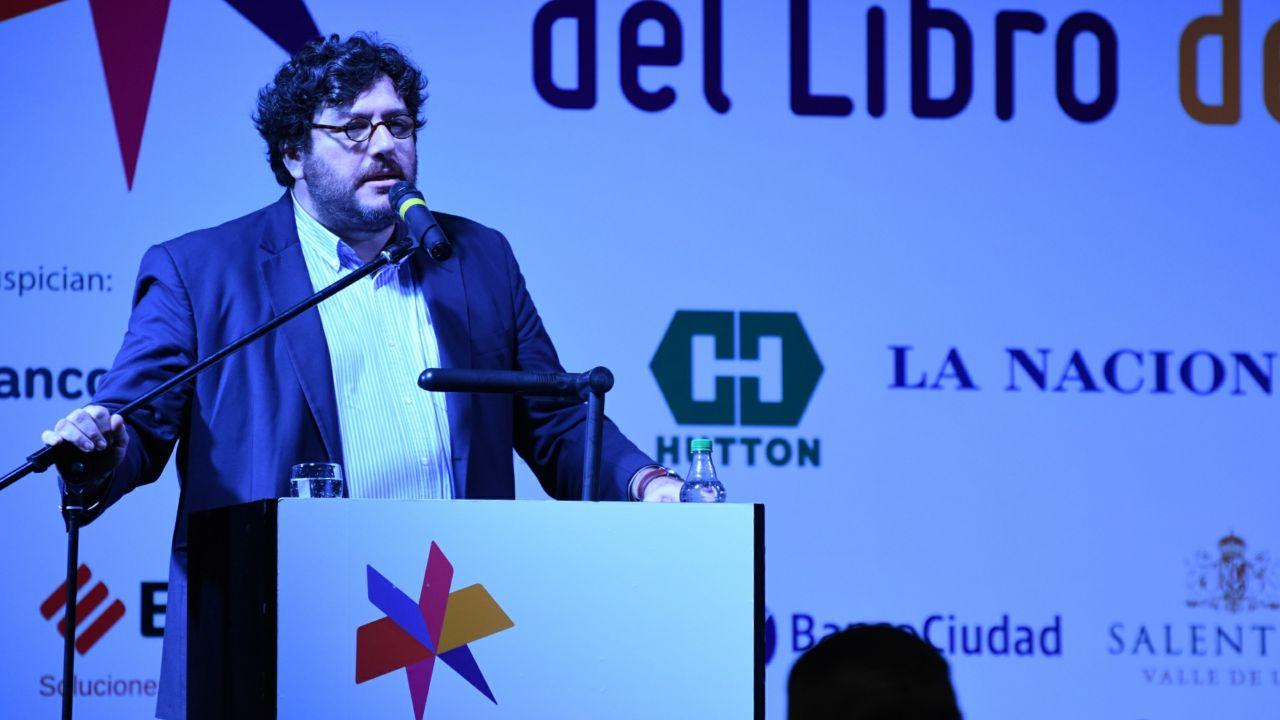 """Ante la imposibilidad de dar su discurso, Pablo Avelluto tildó a los manifestantes de """"fascistas e intolerantes"""" (Martin Rosenzveig)"""