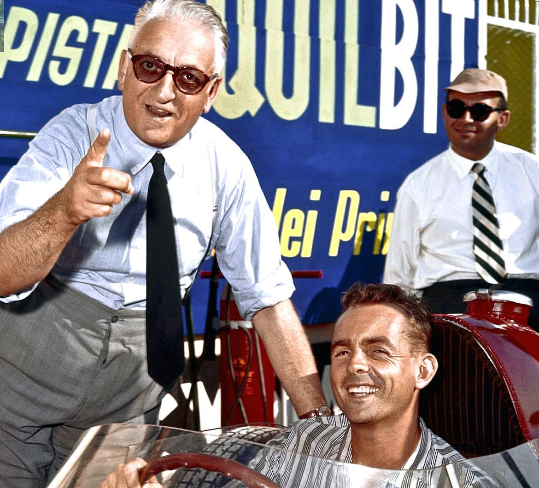 Enzo, con sus tradicionales gafas de sol, junto al piloto norteamericano Phil Hill