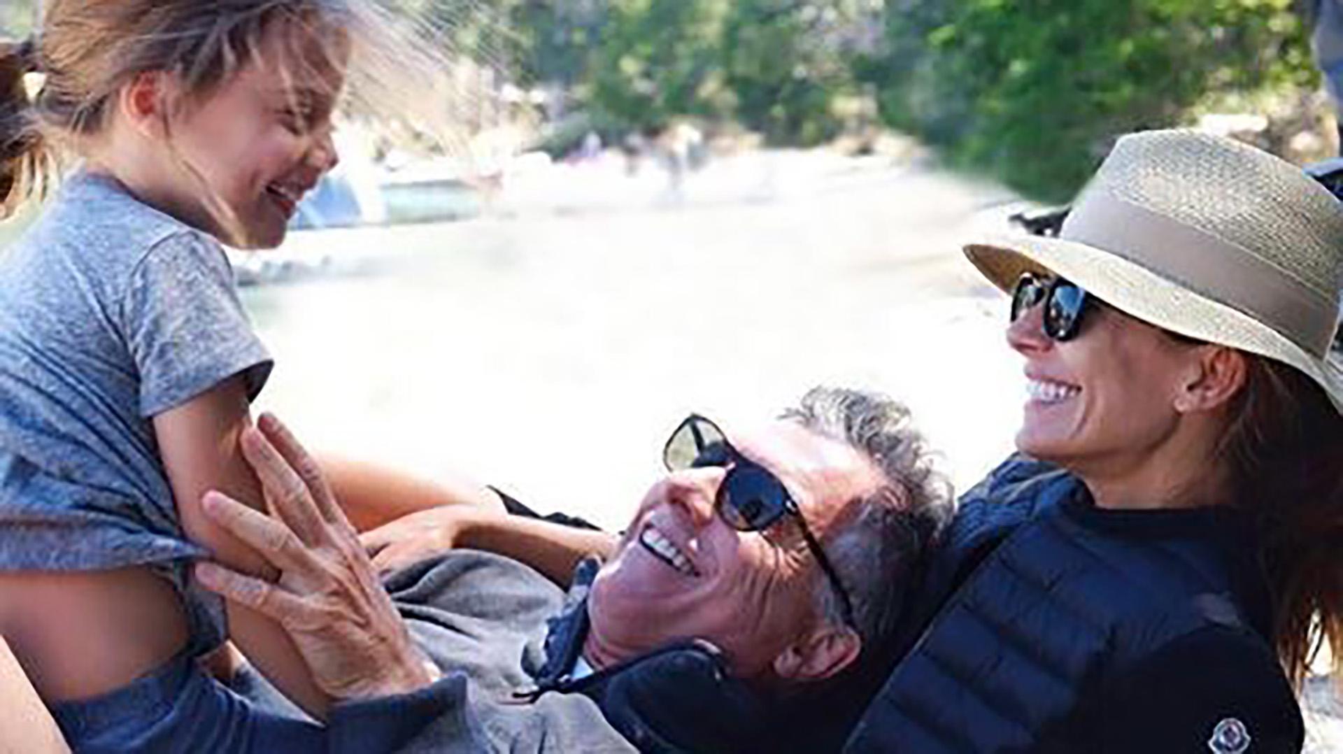 Imagen de Mauricio Macri, Juliana Awada y Antonia durante un descanso el 1º de enero