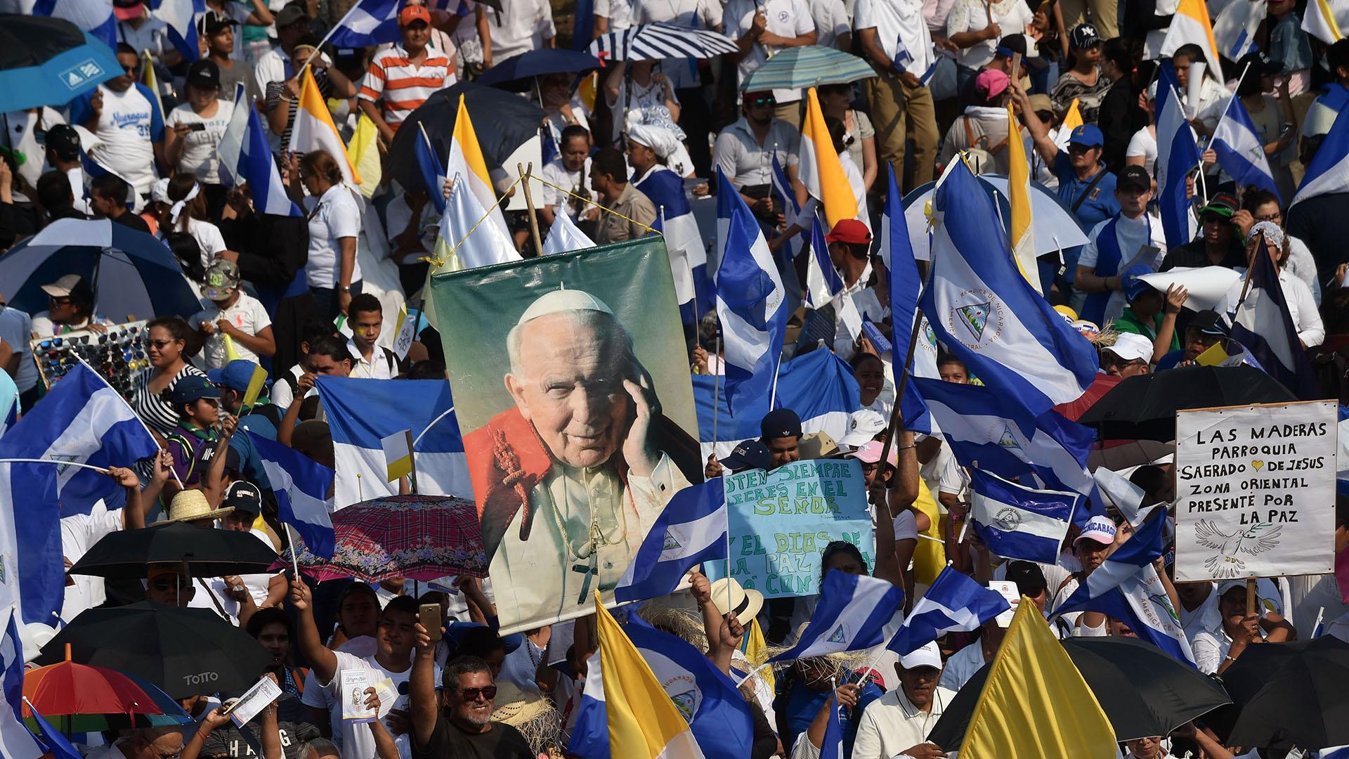 """La marcha de este sábado convocada por la Iglesia Católica """"por amor a Nicaragua"""" (AFP)"""
