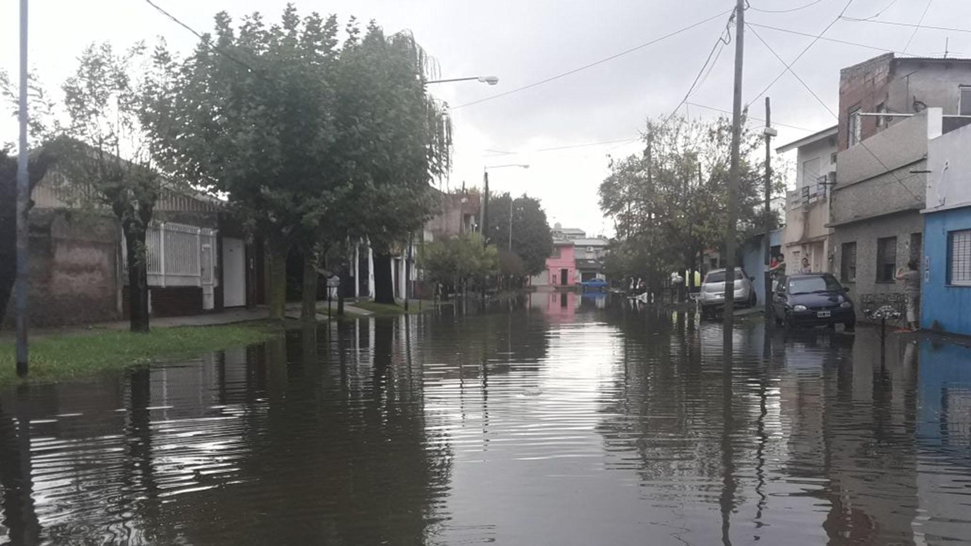Edenor informó que ayer por la noche había 69.000 usuarios sin luz en San Martín, La Matanza, Merlo, Morón, Moreno, Pilar, San Miguel y Tigre