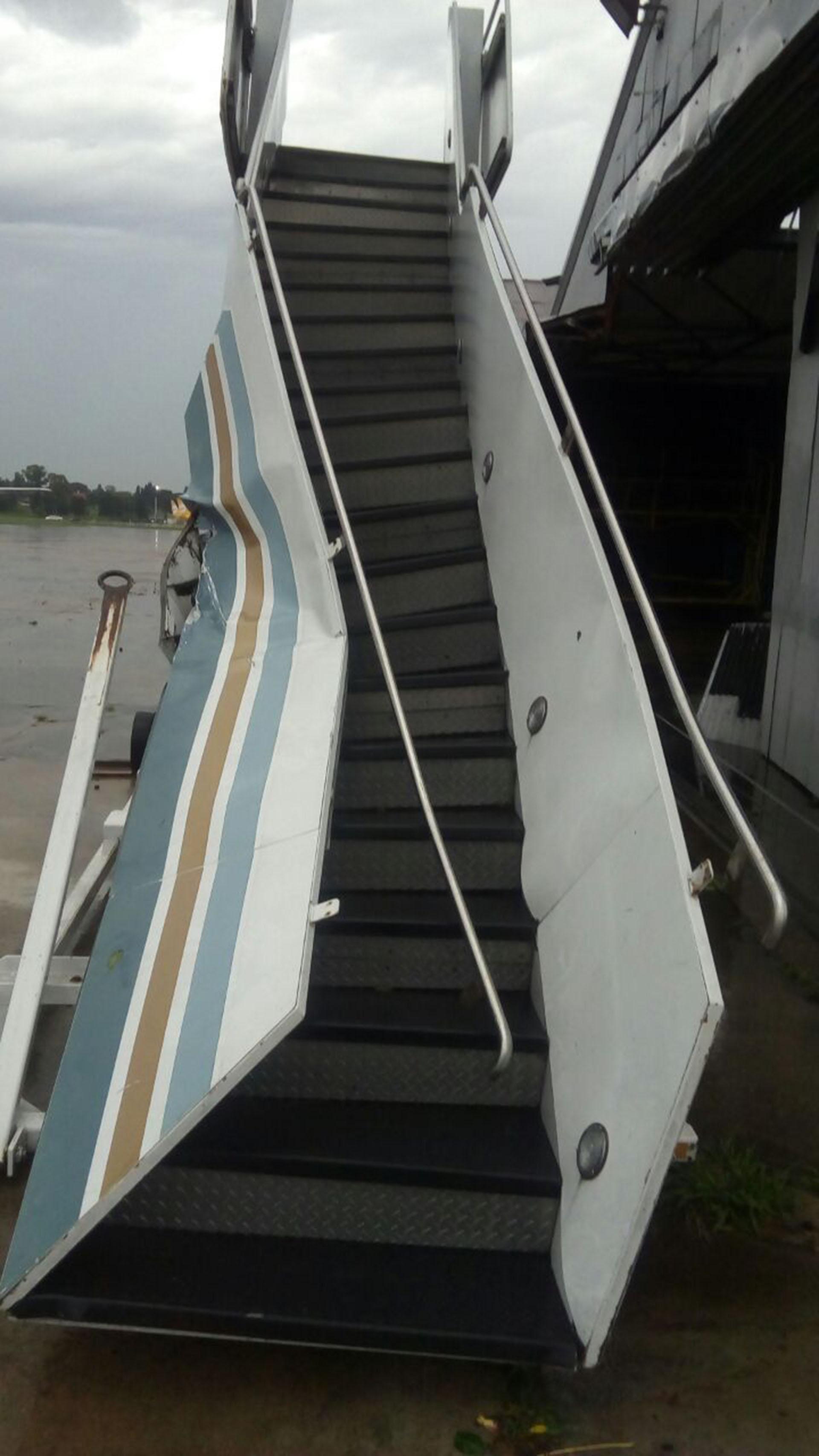 En la terminal de Ezeiza la fuerte tormenta generó demoras en las salidas y llegadas de algunos vuelos