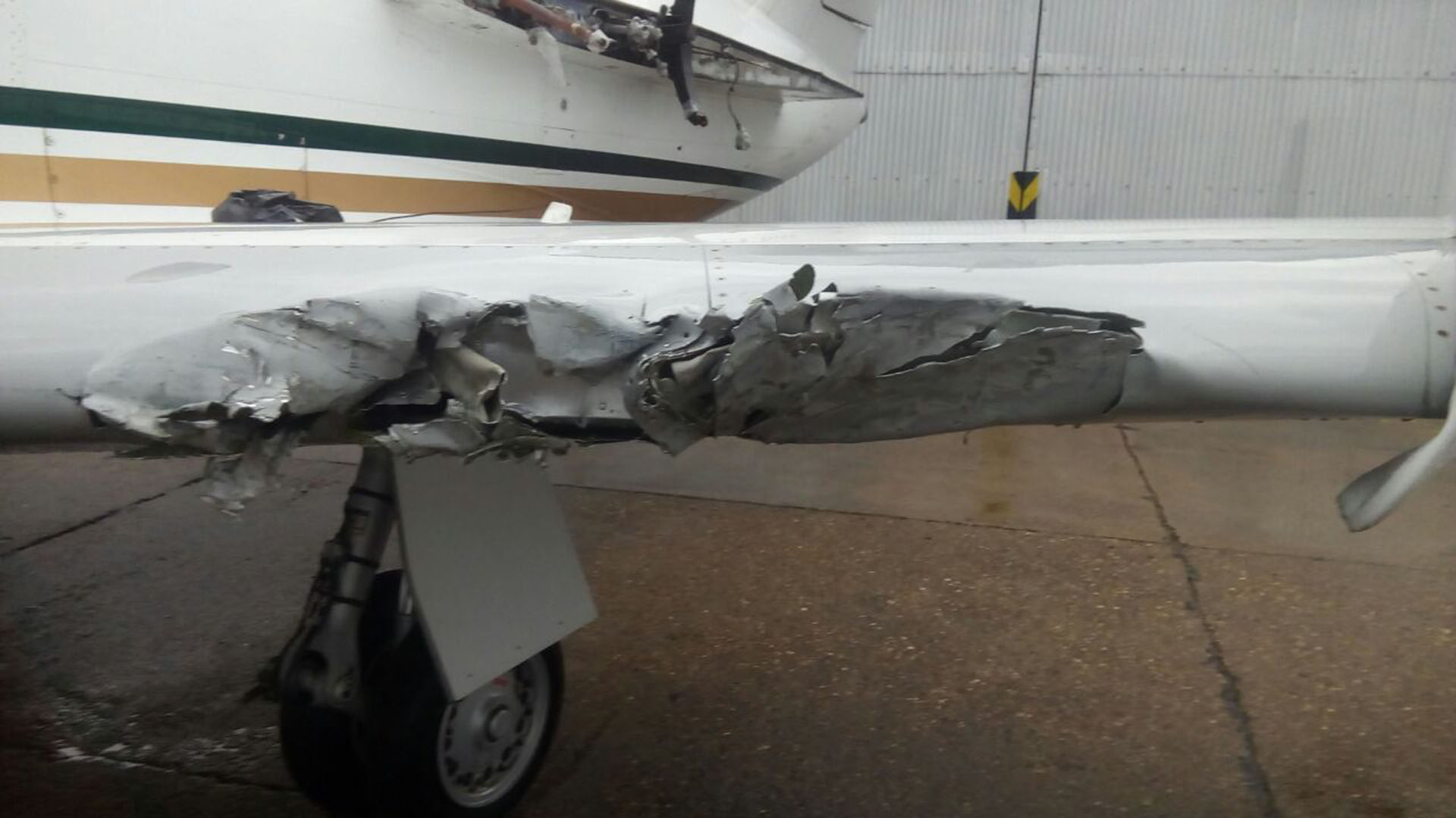Los aviones dañados en el aeropuerto de El Palomar