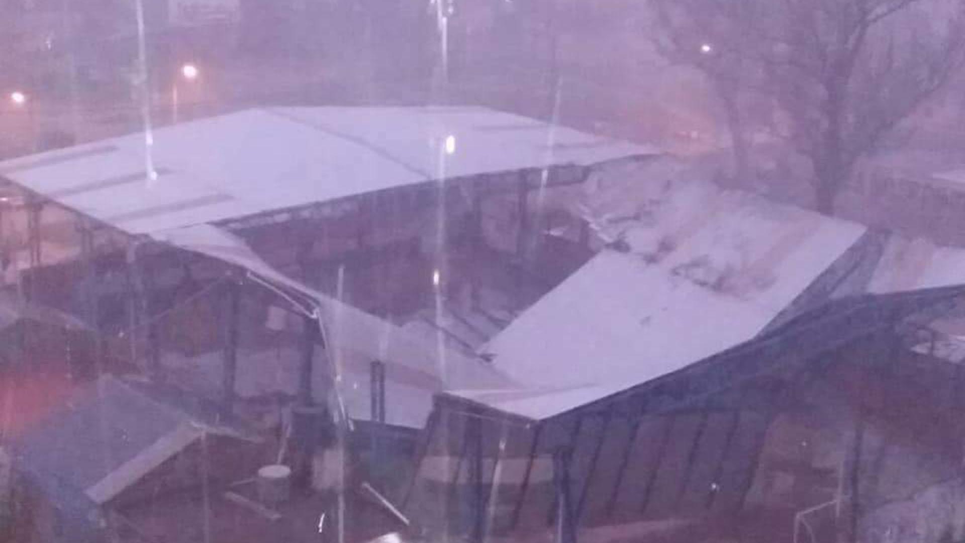 Se cayó el techo del Club Santa Clara (Foto: @Leeodamian)