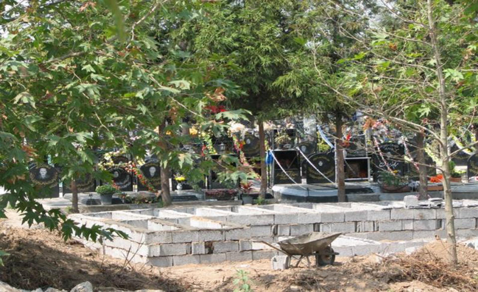 Construcciones sobre el lugar donde se había dado sepultura a los masacrados