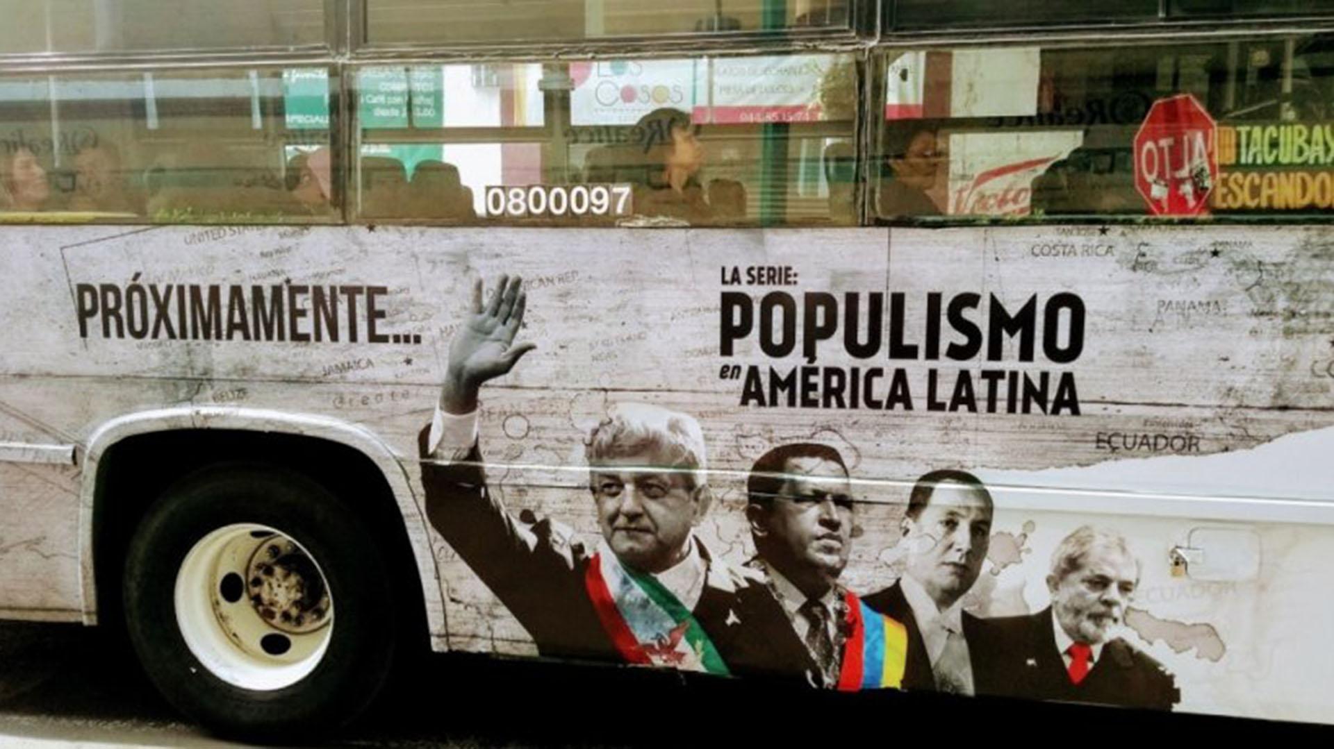Publicidad en autobuses de transporte público que anunciaban la próxima transmisión de la serie.