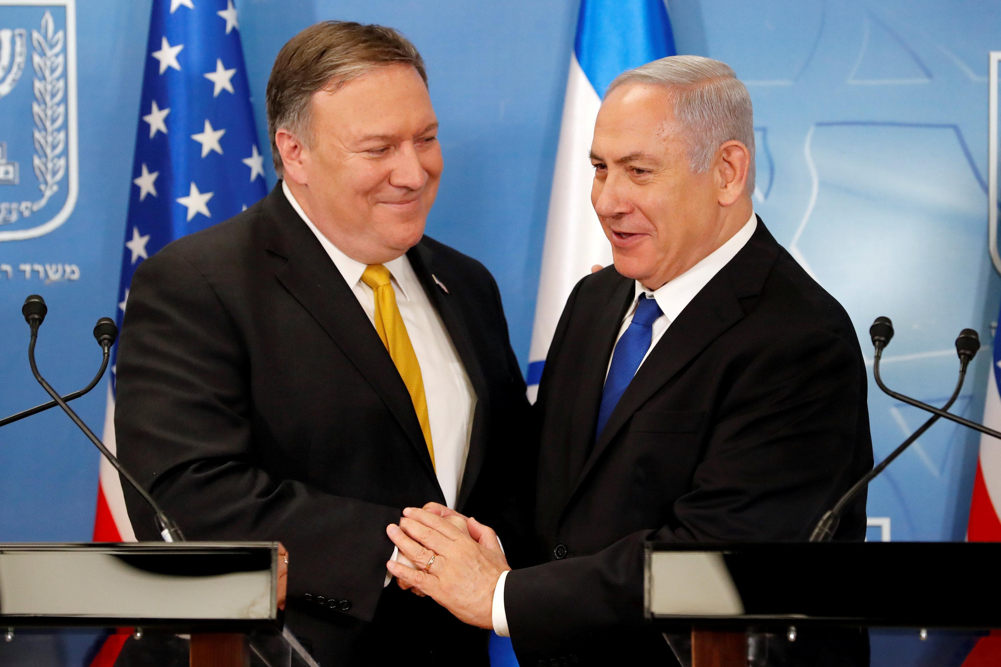El secretario de Estado de EEUU y el primer ministro israelí Benjamin Netanyahu durante su encuentro este domingo (Thomas Coex/Pool via Reuters)