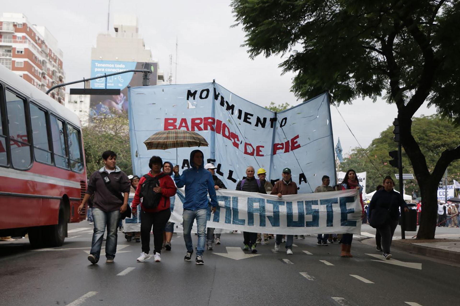 Los movimientos sociales hicieron un acto diferente a la Izquierda y la CGT