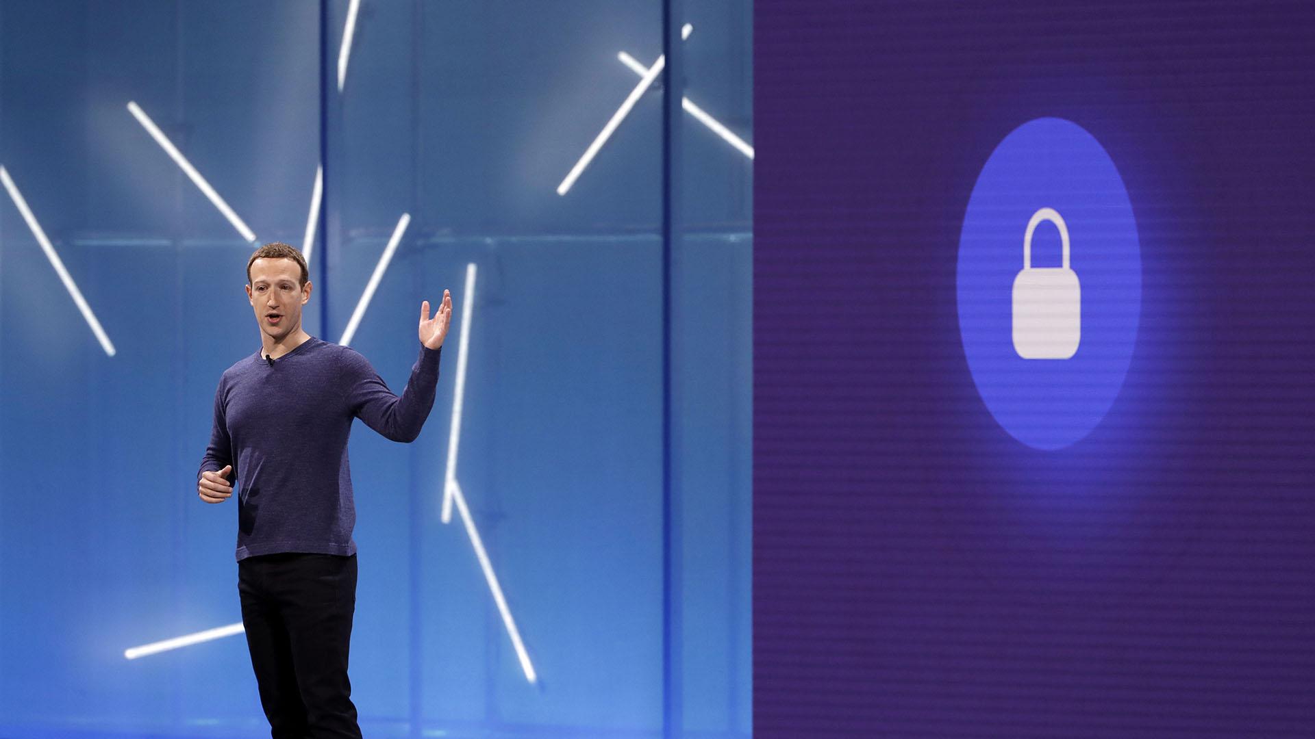 La empresa de Mark Zuckerberg está bajo la investigación de distintos organismos del gobierno estadounidense por las violaciones a la privacidad de los usuarios. (AP)