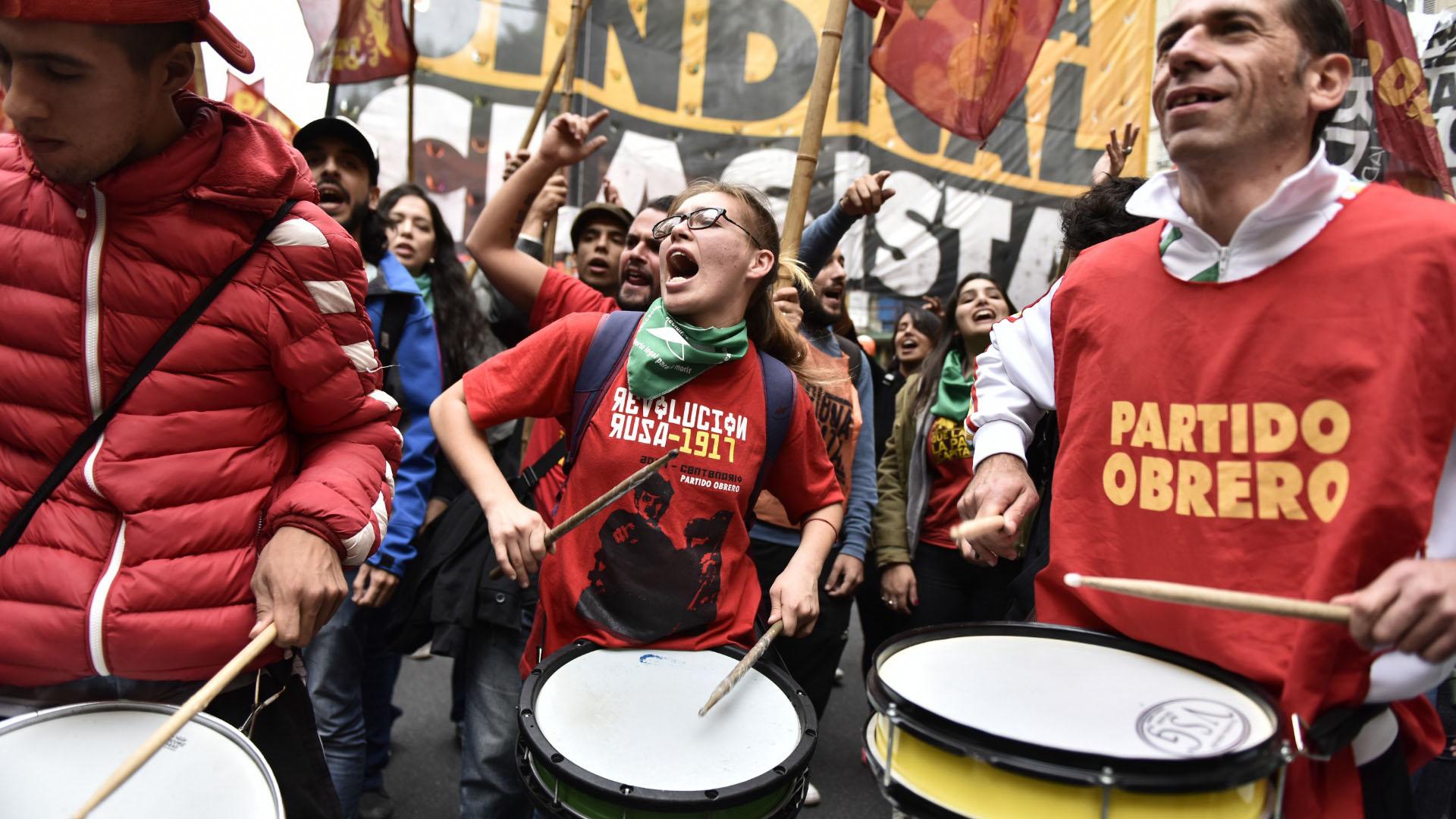 Manifestantes del Partido Obrero