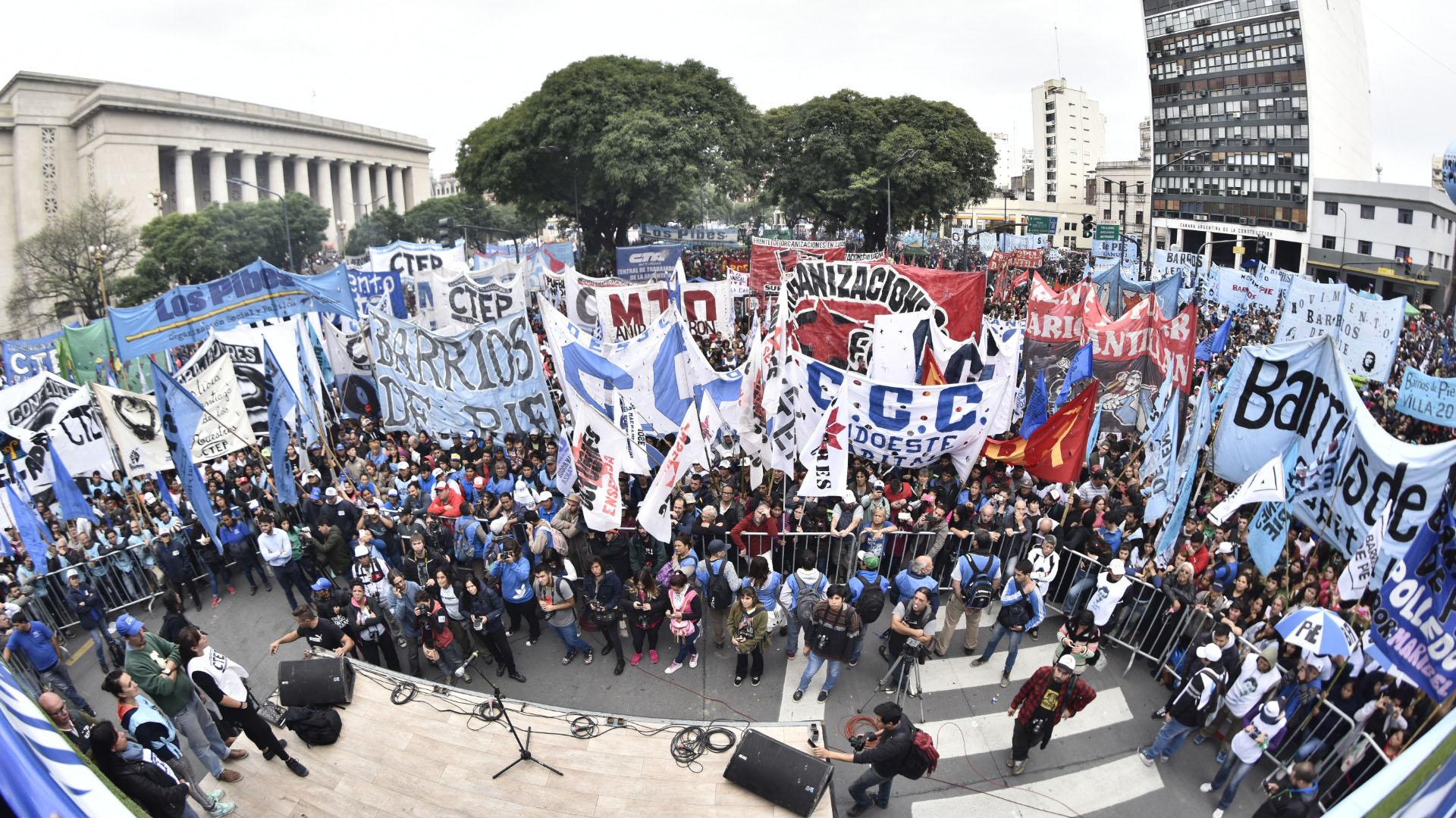 Los movimientos sociales anunciaron una marcha federal