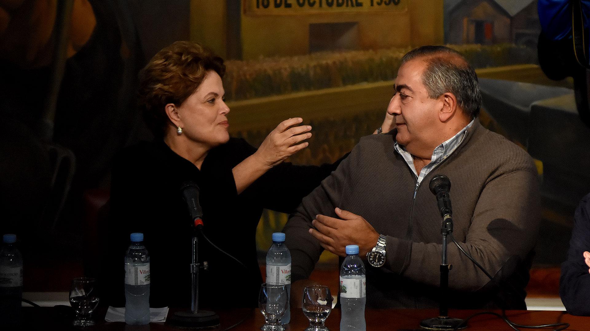 La ex Presidenta de Brasil, Dilma Rousseff, presente en el acto de la CGT en el Día del Trabajador