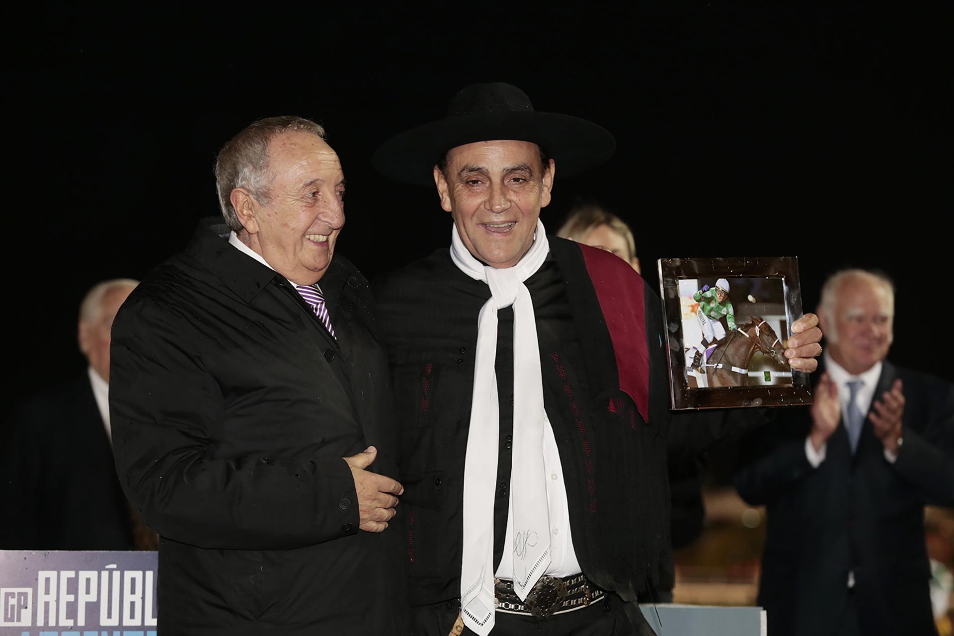 El Chaqueño Palavecino también dijo presente en el Gran Premio República