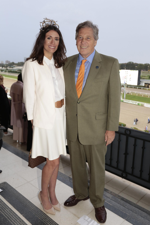 Verónica Quintana, jefa de Relaciones Públicas del Hipódromo de Palermo, junto al presidente de la Comisión de Carreras, Antonio Bullrich