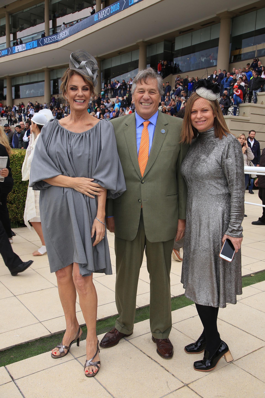 Nequi Galotti junto a Antonio Bullrich y Gabriela Vidal, productora general de Hat Show
