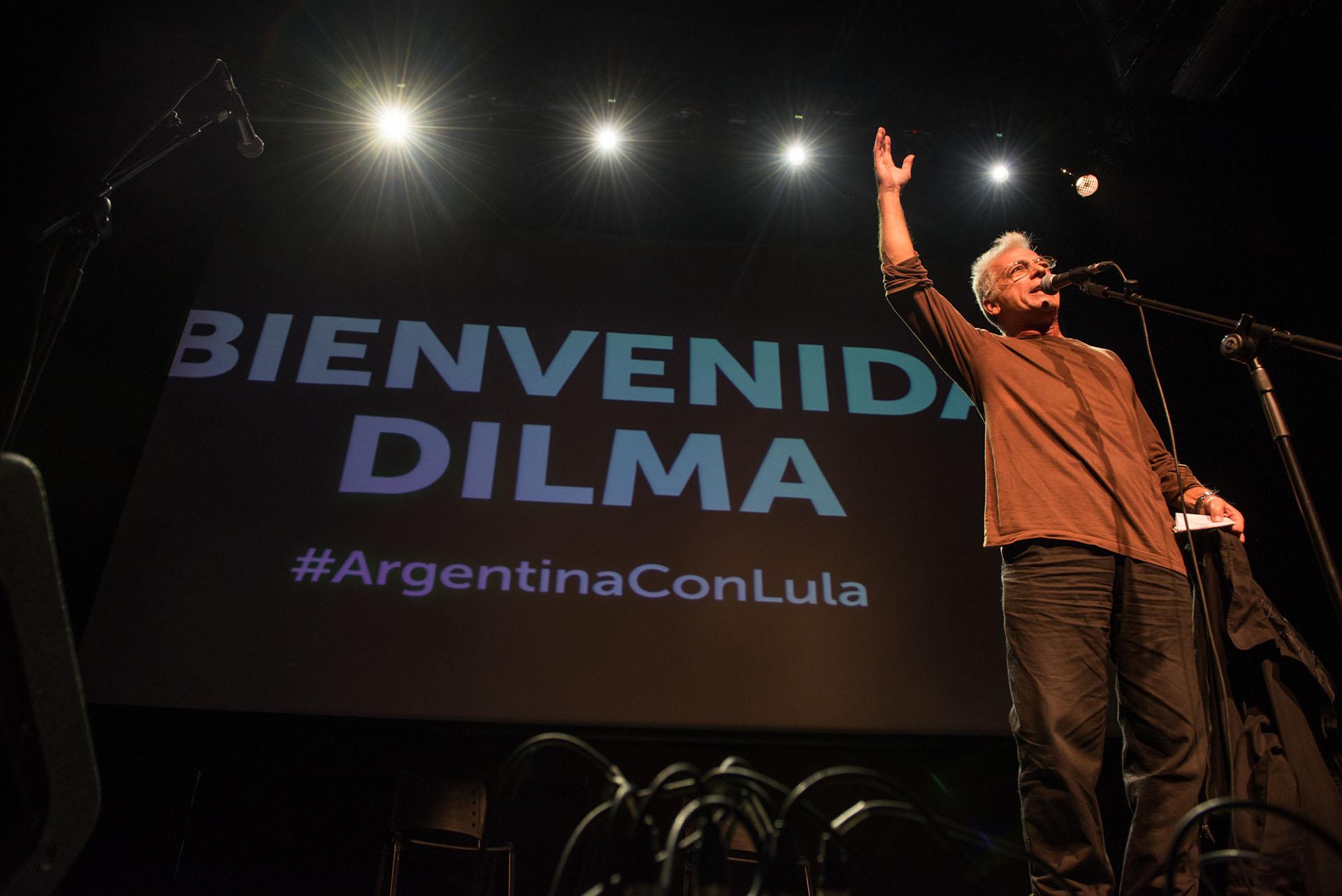El actor Gerardo Romano también se subió al escenario