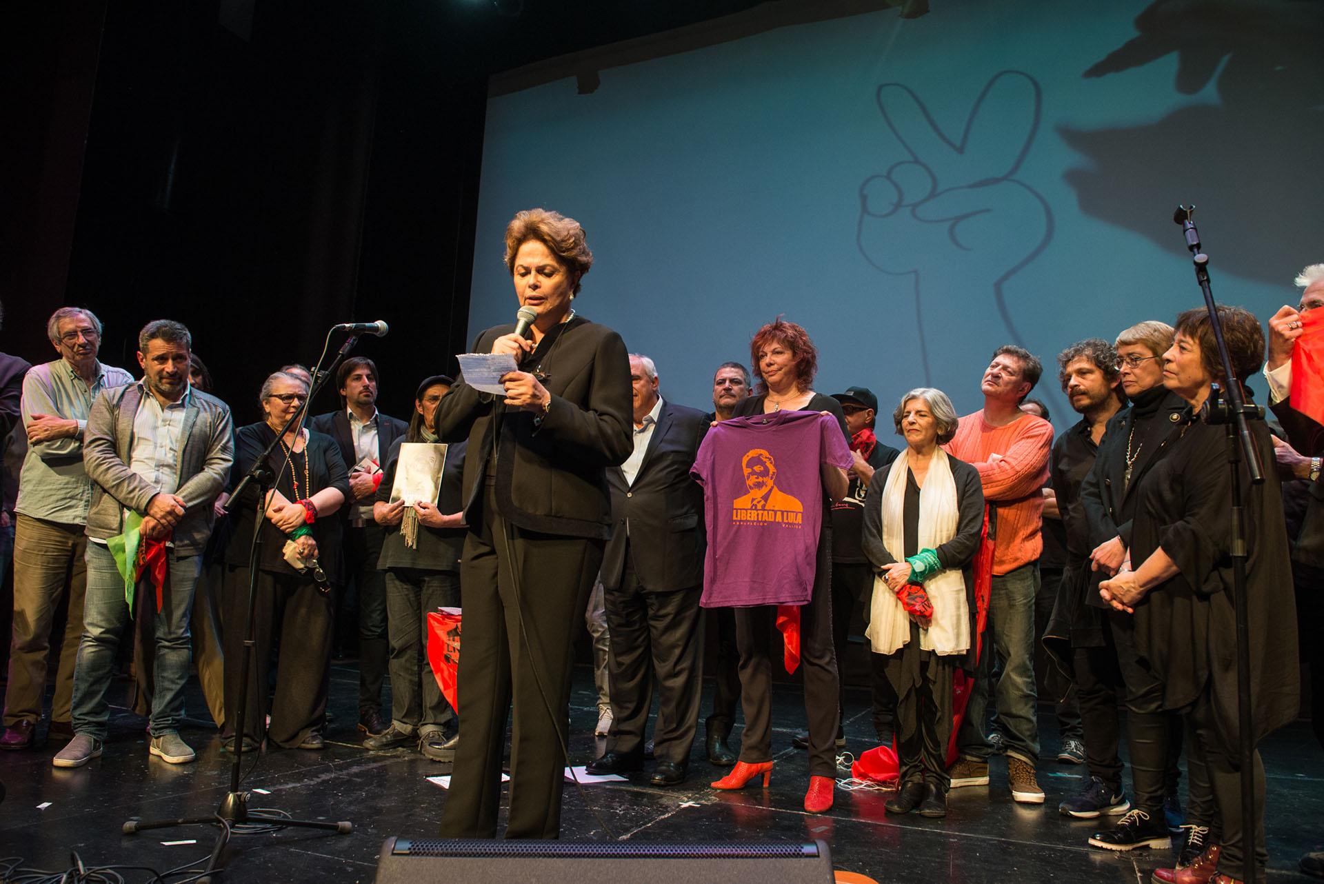 """Dilma dijo que Lula será el próximo presidente de Brasil """"esté libre o en prisión"""""""