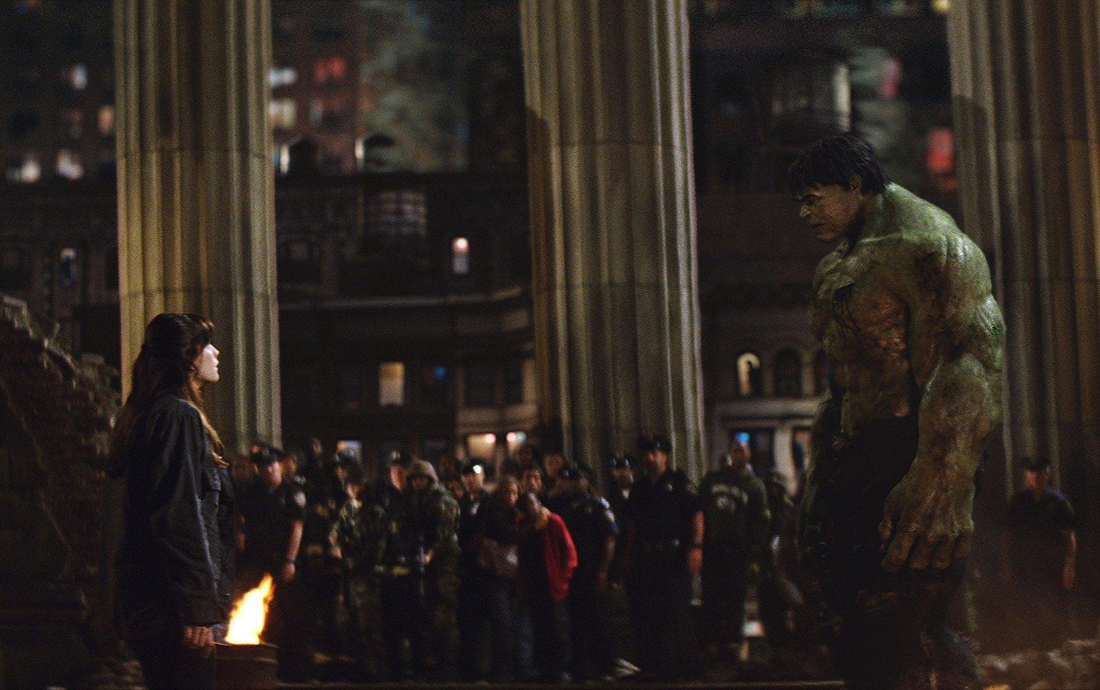 El actor Edward Norton reescribió la mayoría de las escenas donde su personaje, Bruce Banner aparece en cámara