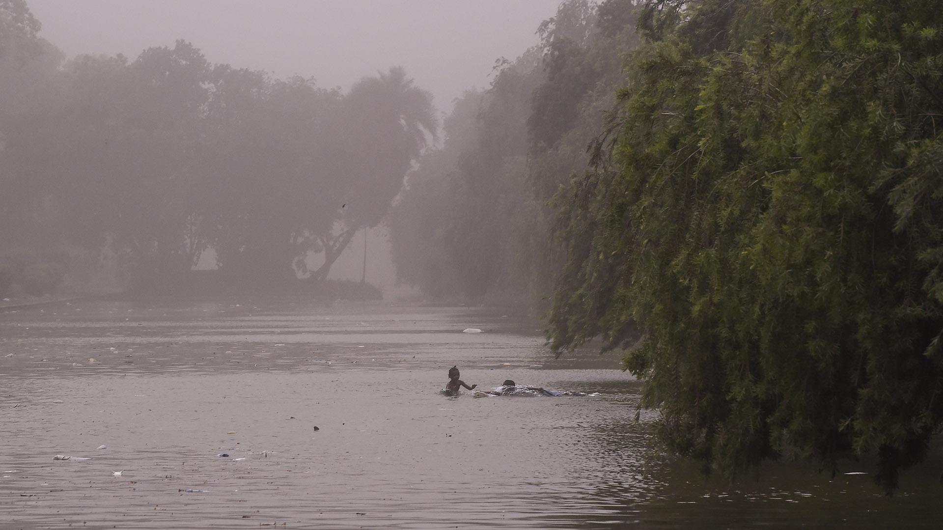 Hubo también desbordes de río como consecuencia del temporal (AFP)