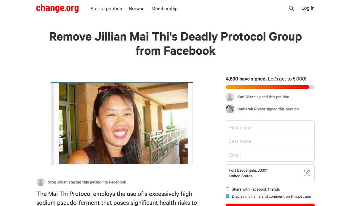 Uno de los grupos opositores a Jillian Epperly creó una páginaen Change para pedir que saliera de Facebook.