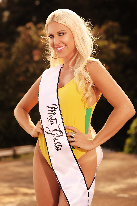 Antonela Avellaneda, 35 años. Es la única modelo argentina que participa del certamen (Photo © 2018 Splash News/The Grosby Group)