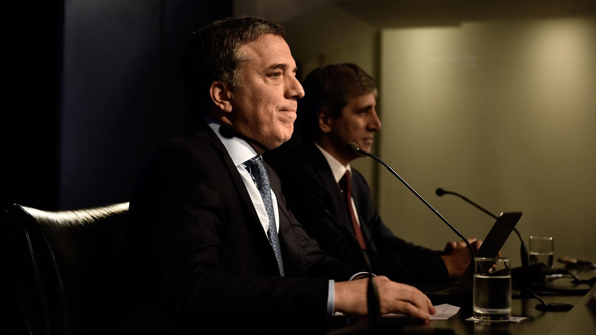 La conferencia de prensa de Nicolás Dujovne y Luis Caputo