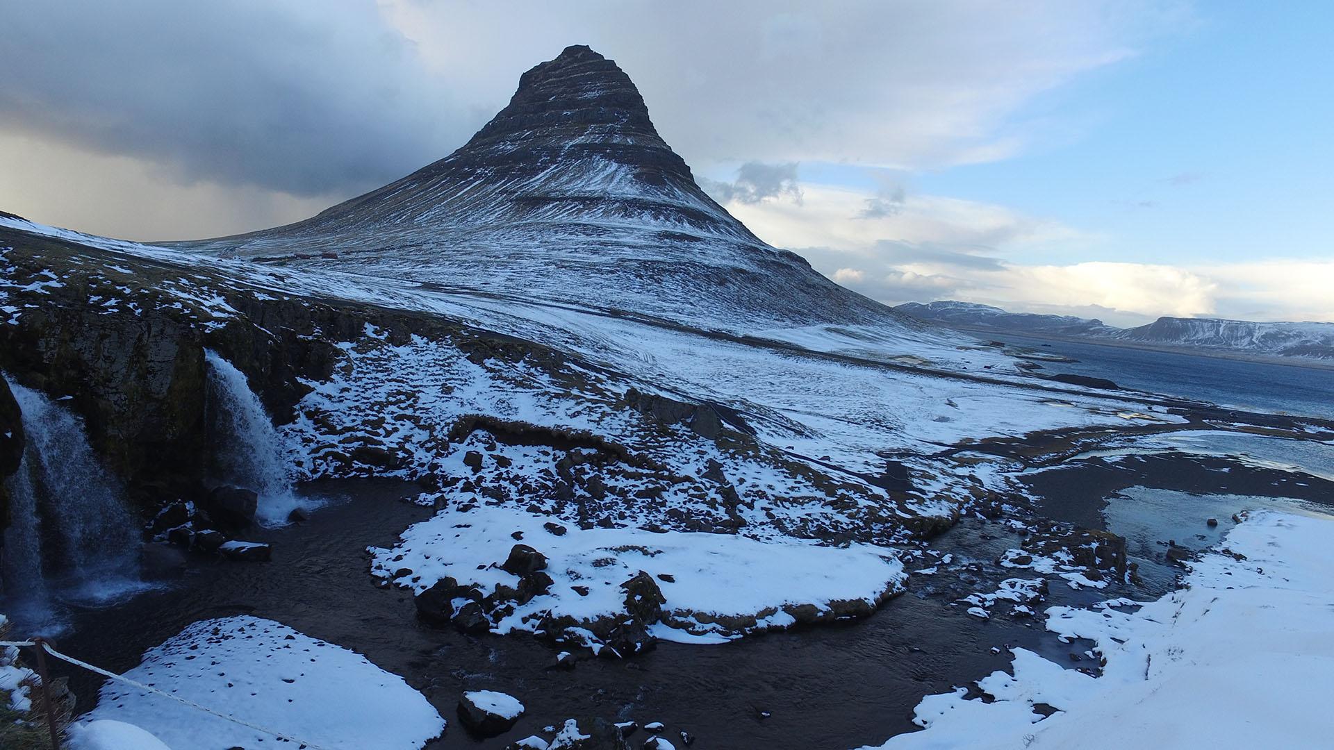 Cascada y Montaña de Kirkjufell