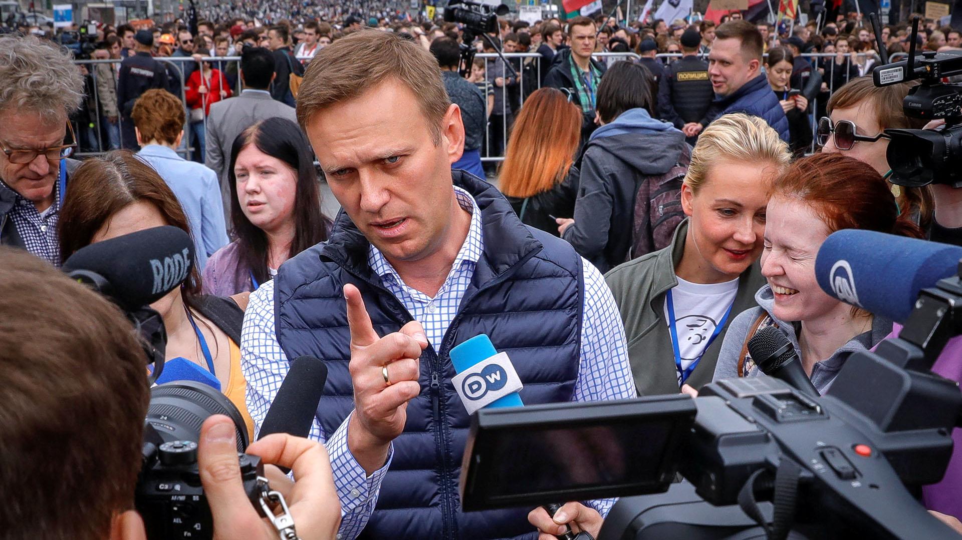 La policía, que había advertido contra la participación en la manifestación no autorizada por el Ayuntamiento de Moscú, empleó la fuerza durante la detención de Navalni y de varios manifestantes (Reuters)