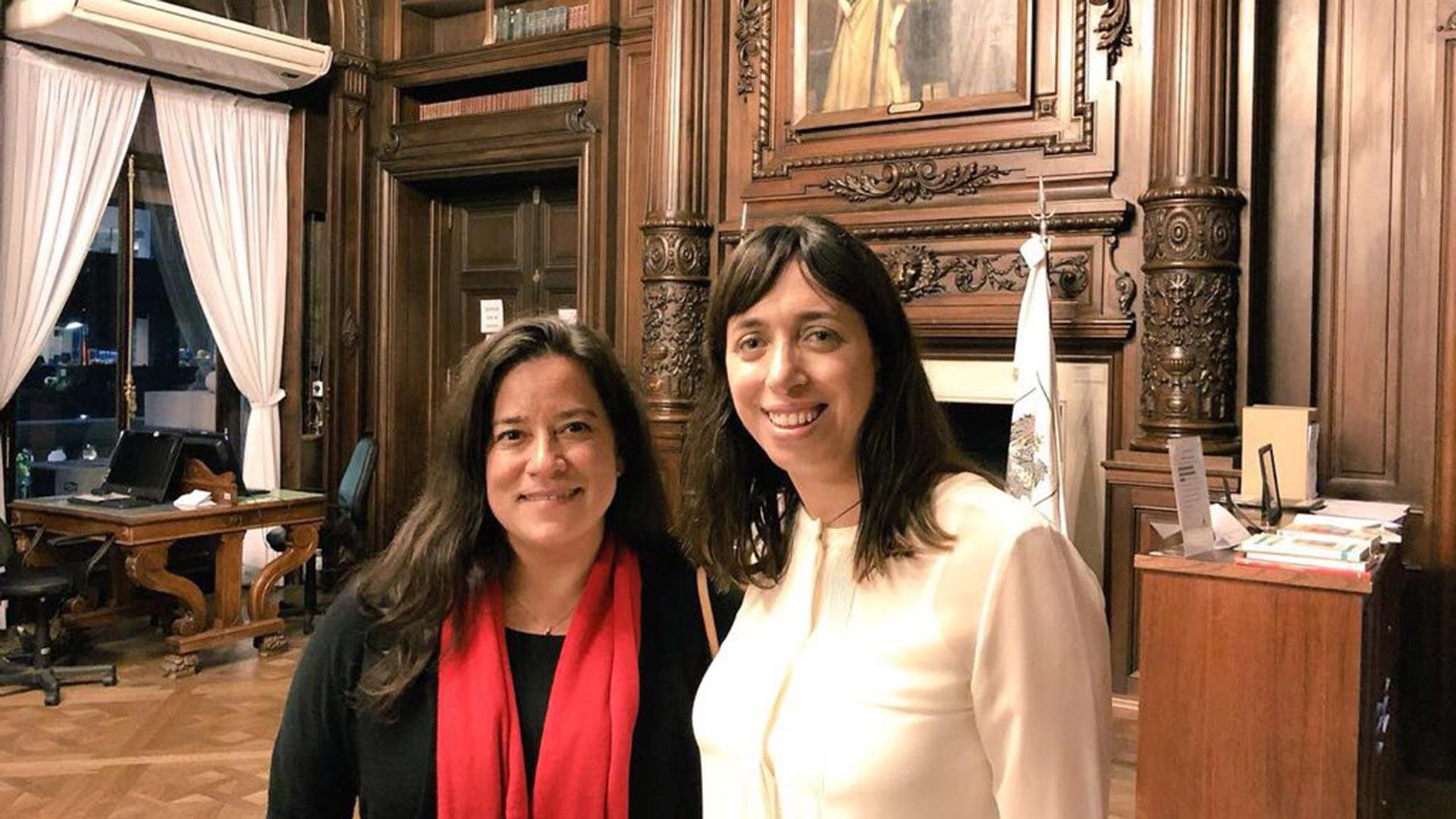 La ministra de Justicia y Fiscal General de Canadá, Jody Wilson-Rabybould, junto a la legisladora Fidel (fotos: Prensa Legislatura)