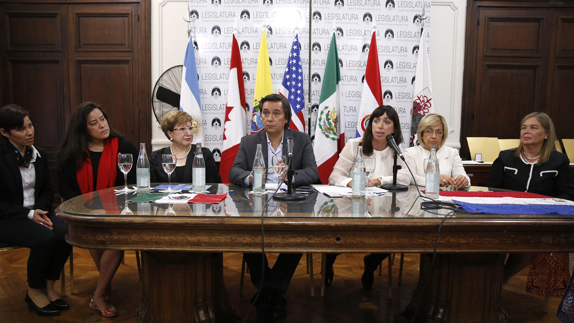La distinción se realizó en el marco de la XIV Conferencia Bienal de la Asociación Internacional de Mujeres Jueces, de la cual la Ciudad de Buenos Aires es sede en 2018