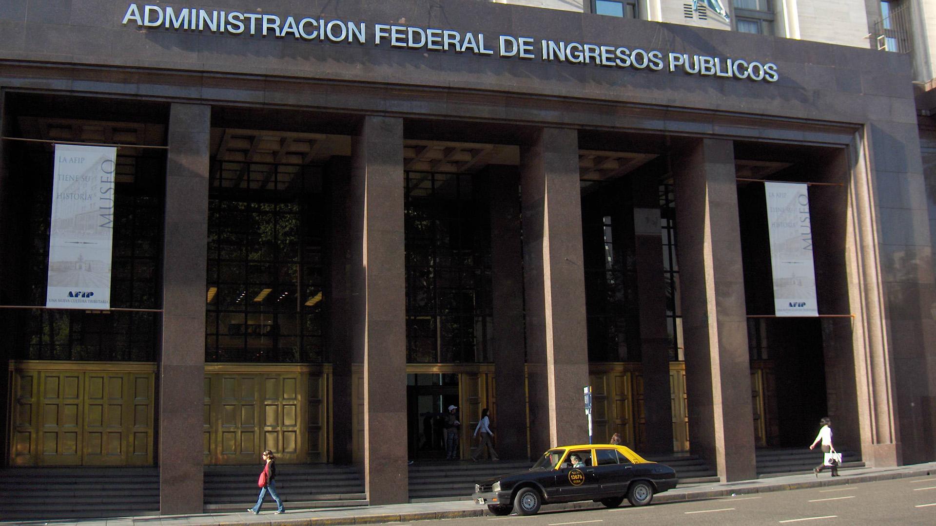 En los próximos días, la AFIP mandará un segundo recordatorio a los contribuyentes identificados